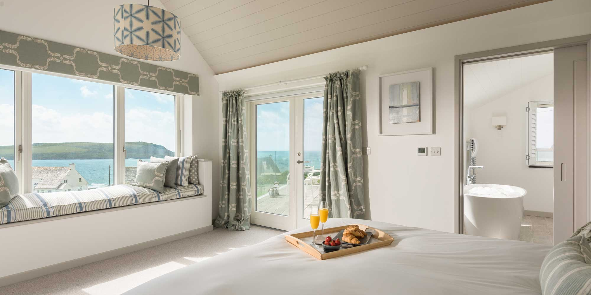 Trelyon Bedroom with en-suite bathroom and washroom