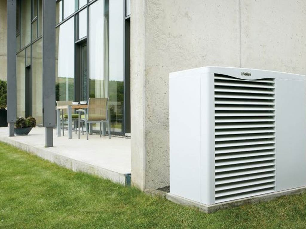 Air Source Heat pump in Truro, Cornwall. A renewable energy insulation by Simon Annear
